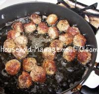 cooking meatballs