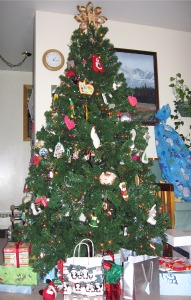put up christmas decorations christmas tree