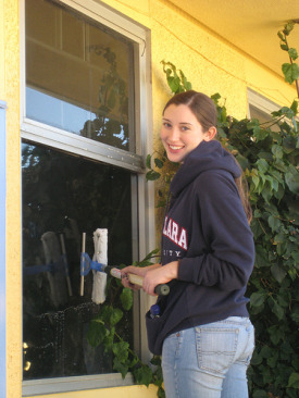 http://www.household-management-101.com/image-files/window-cleaning-tips.jpg